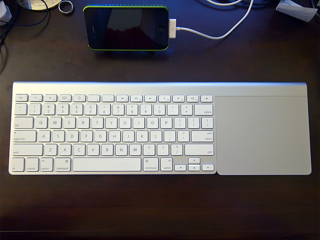 Magic Trackpad w/Wireless Keyboard
