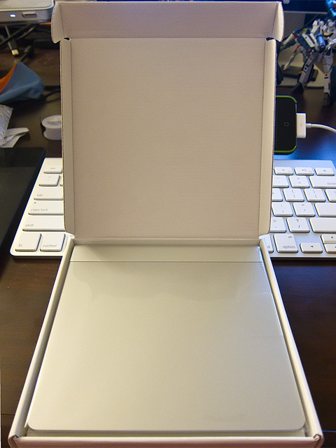 Apple Magic Trackpad Unboxed