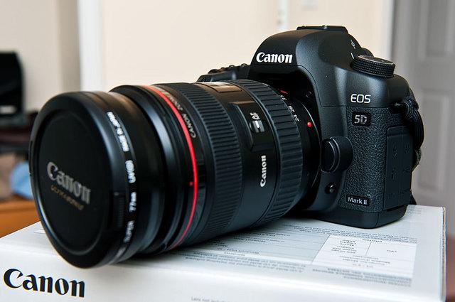 Canon 5D Mark II w/24-70 lens