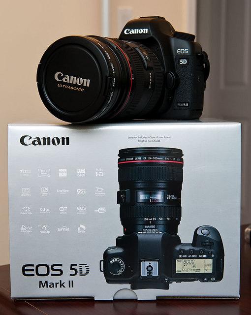 Canon 5D Mark II w/box